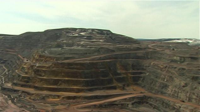 Une carrière de minerai de fer