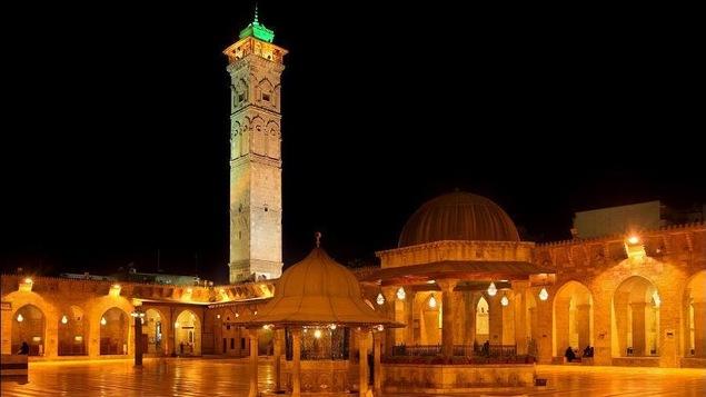 La mosquée des Omeyyades et son minaret, la nuit