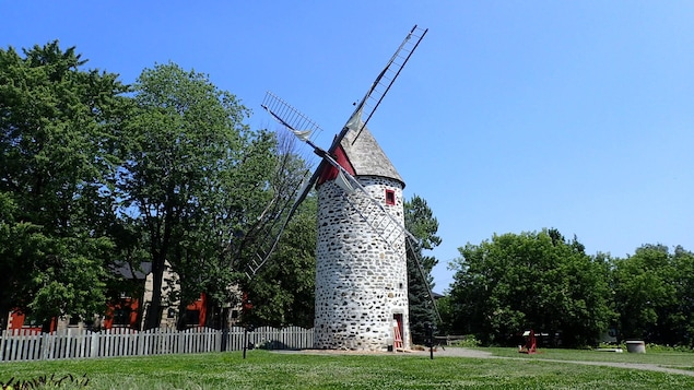 Le moulin de Pointe-aux-Trembles, construit en 1719.