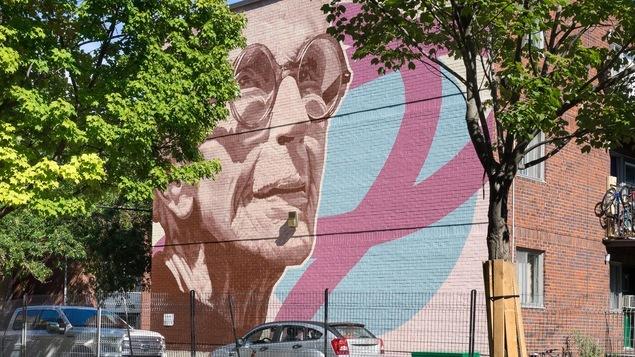 La murale sur un mur de briques