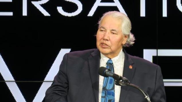 Murray Sinclair dans un discours public, au Centre canadien de radiodiffusion de Toronto