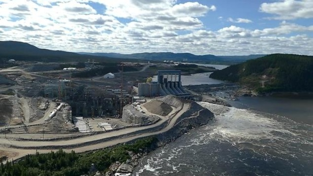 Le barrage en construction.