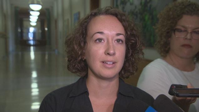La nouvelle chef intérimaire du NPD de la Saskatchewan, Nicole Sarauer.