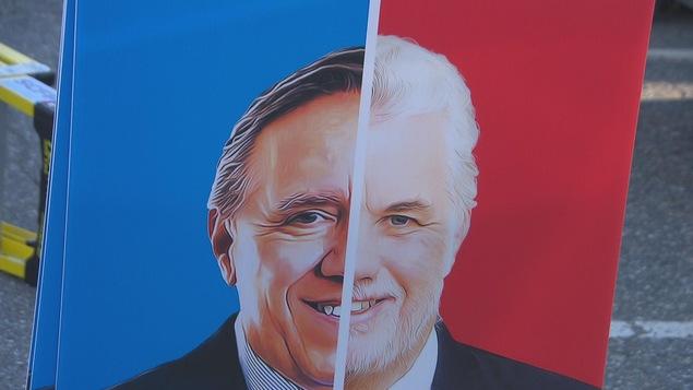 Une affiche montrant un visage formé de la moitié des visages de François Legault, de la CAQ, et de Philippe Couillard, du PLQ.