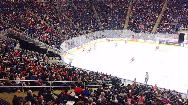 La foule était nombreuse samedi, au Centre Vidéotron.