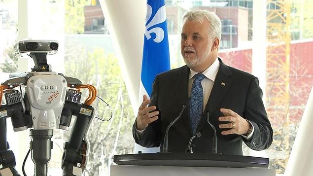 Philippe Couillard a annoncé l'initiative qui prévoit des investissements de 585 millions $ d'ici 2022.
