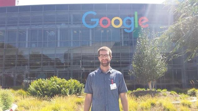Pierre-Marc Levasseur, de Victoriaville, devant les bureaux de Google