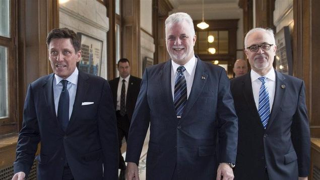 Pierre Moreau en compagnie de Philippe Couillard et Carlos Leitao