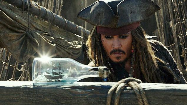 Johnny Depp dans le film « Pirates des Caraïbes : les morts ne racontent pas d'histoires »