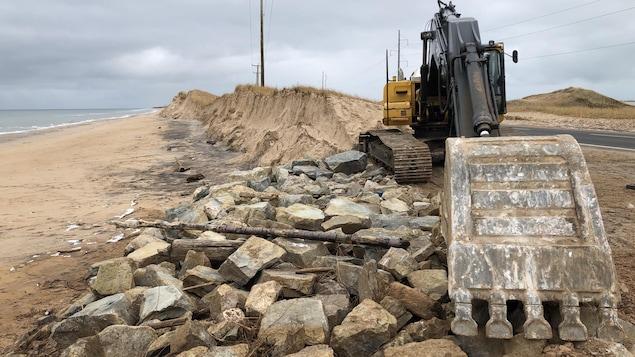 Des travaux d'urgence ont dû être réalisés à Pointe-aux-Loups, mais ils ont été arrêtés par la tempête du 29 novembre.