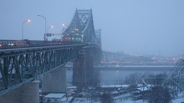 Le pont Jacques-Cartier