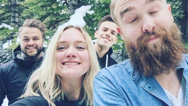 Post Script et Okay Mann de retour d'une tournée dans l'Ouest canadien.