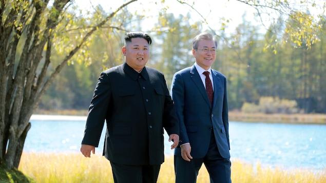 Le président sud-coréen Moon Jae-in et le dirigeant nord-coréen Kim Jong Un
