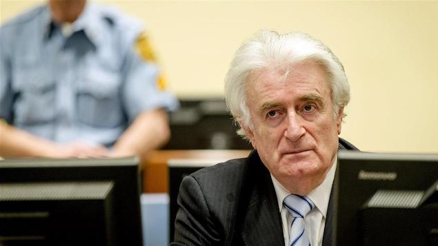 Radovan Karadzic reçoit sa sentence.