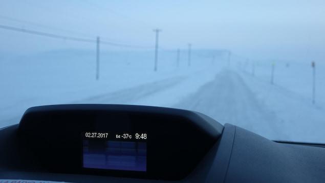 En hiver, la température moyenne est de -13 degrés Celsius; en été, les températures peuvent grimper au-dessus de 8 degrés Celsius.