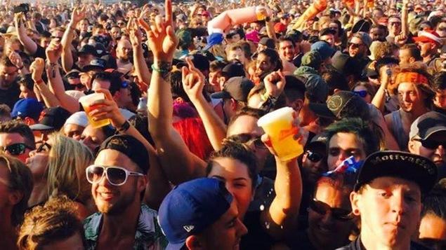 Les organisateurs estiment qu'il y a eu 200 000 participants au Rockfest 2016.