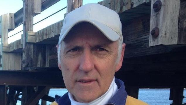 Roger St-Pierre, qui a lutté pour l'obtention d'un nouveau pont à Landry Office, lance une pétition en ligne pour la tenue d'une enquête publique et indépendante sur la gestion de la crise du verglas au Nouveau-Brunswick.