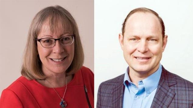 La candidate du NPD Ronna-Rae Leonard (à gauche) et le candidat du Parti libéral Jim Benninger (à droite) de la circonscription de Courtenay-Comox