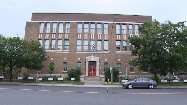 Façade de l'École alternative Rose-des-Vents à Montréal
