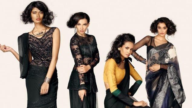 Présentation du défilé de saris « 24/7 » par Vogue lors de la Fashion week indienne 2017