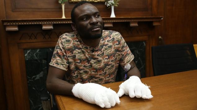 En raison de gelures sévères, Seidu Mohammed perdra tous ses doigts, un orteil et possiblement ses bras.