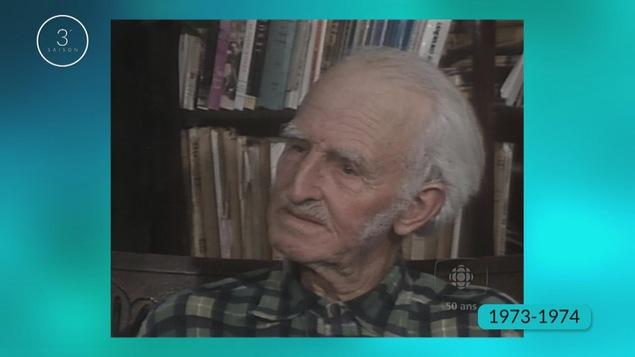 Monsieur Alfred Larouche est un agriculteur des années 1970.