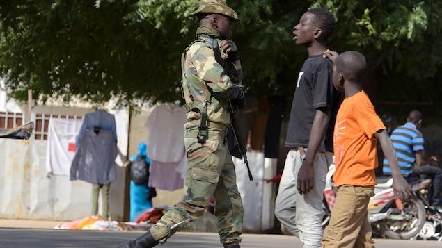 Un soldat sénégalais