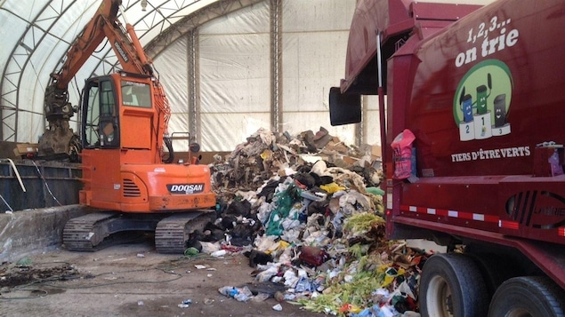 Près de 6200 tonnes de déchets transitent chaque année par le centre de valorisation du Témiscamingue situé à Fabre.