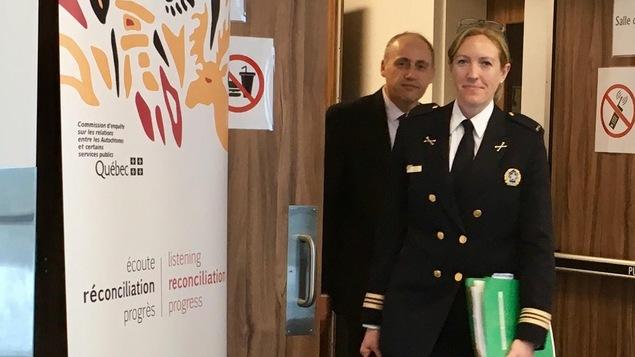 La commandante de poste de quartier du SPVM Jacinthe Boucher et l'agent de liaison Carlos De Angelis.