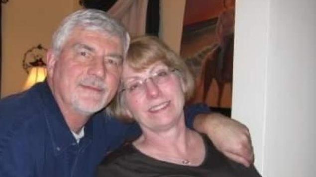 John et Marilyn Tegler, 71 et 70 ans sont parmi les victimes des feux de forêt dans le Tennessee.