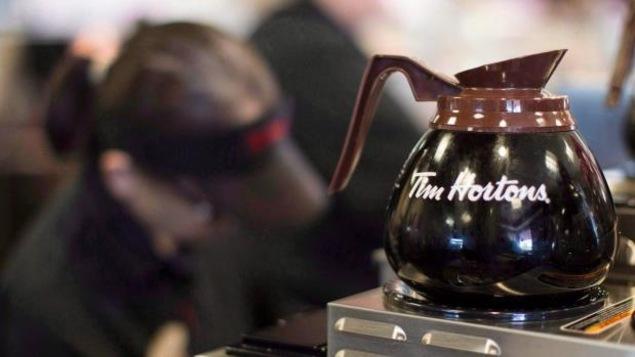 Une cafetière Tim Hortons
