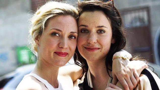 Evelyne Brochu et Virginie Fortin dans « Trop »