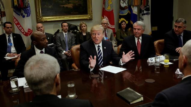 Donald Trump reçoit les patrons de plusieurs grands groupes pharmaceutiques, mardi 31 janvier 2017.