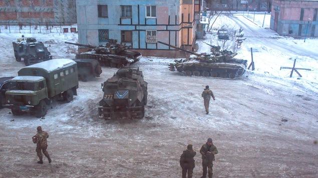 Des soldats ukrainiens à Avdiïvka, en Urkaine.