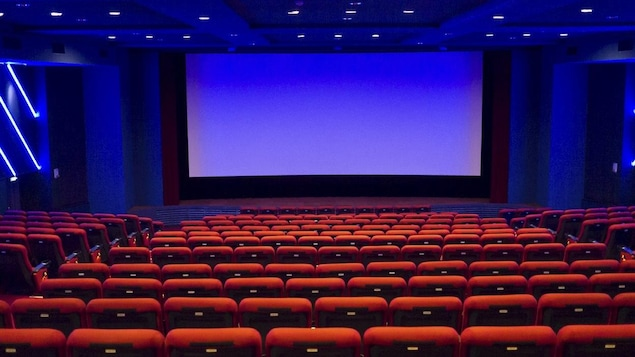 construire sa salle de cinema grand tapis colore asnieres sur seine with construire sa salle de. Black Bedroom Furniture Sets. Home Design Ideas