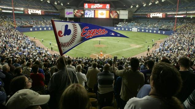 Le 29 septembre 2004, les Expos affrontent les Marlins de la Floride à leur dernier match au stade olympique