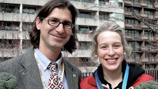 Jean-René Dufort et la patineuse de vitesse courte piste Marianne St-Gelais aux Jeux olympiques de Vancouver