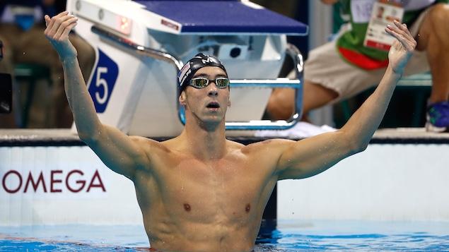 Phelps battu par un requin blanc (vidéo)
