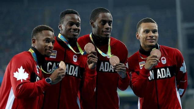Le relais canadien du 4 x 100 m des Jeux de Rio : Akeem Haynes, Aaron Brown, Brendon Rodney et Andre de Grasse