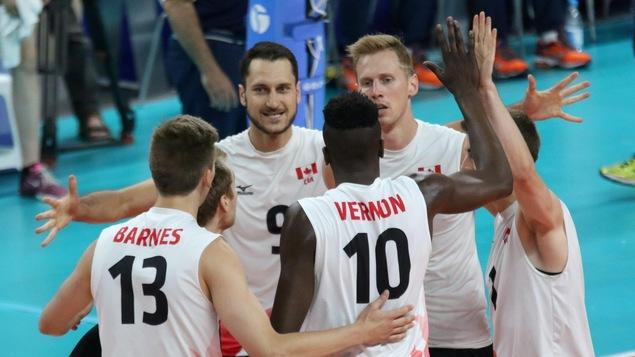 L'équipe canadienne de volleyball masculin l'a emporté en quatre manches face à l'Italie en Ligue mondiale