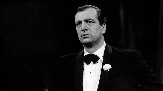 La basse québécois Joseph Rouleau en 1966.