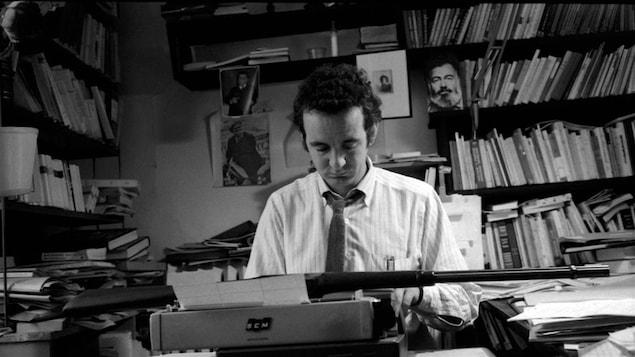 Gérald Godin, écrivain, directeur des Éditions Parti Pris, 1969