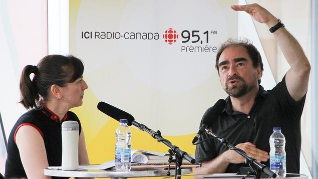 Marie-Louise Arsenault avec le bédéiste Michel Rabagliati
