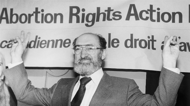 Henry Morgentaler après sa victoire en Cour suprême, le 28 janvier 1988