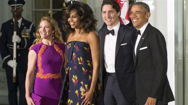 Les Obama reçoivent les Trudeau pour le dîner officiel.