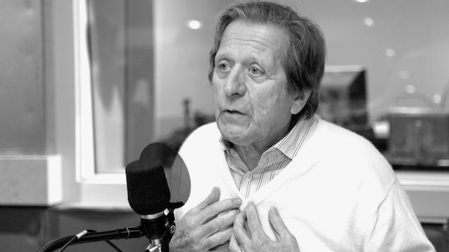 Albert Millaire dans le studio 18 de Radio-Canada