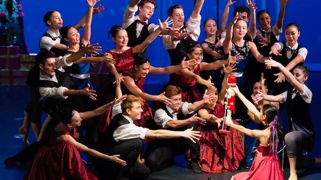 Mixed Nuts de Arts Umbrella Dance Company