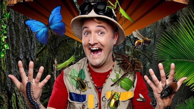 Bill Bestiole, personnage pour les enfants qui aime les insectes, dans la forêt exotique