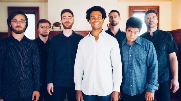 7 gars qui sourient