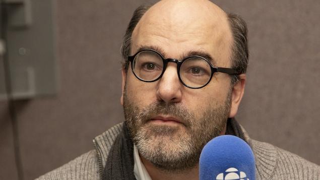 Alain Deneault au studio 30 de Radio-Canada, à Montréal, le 18 octobre 2018.